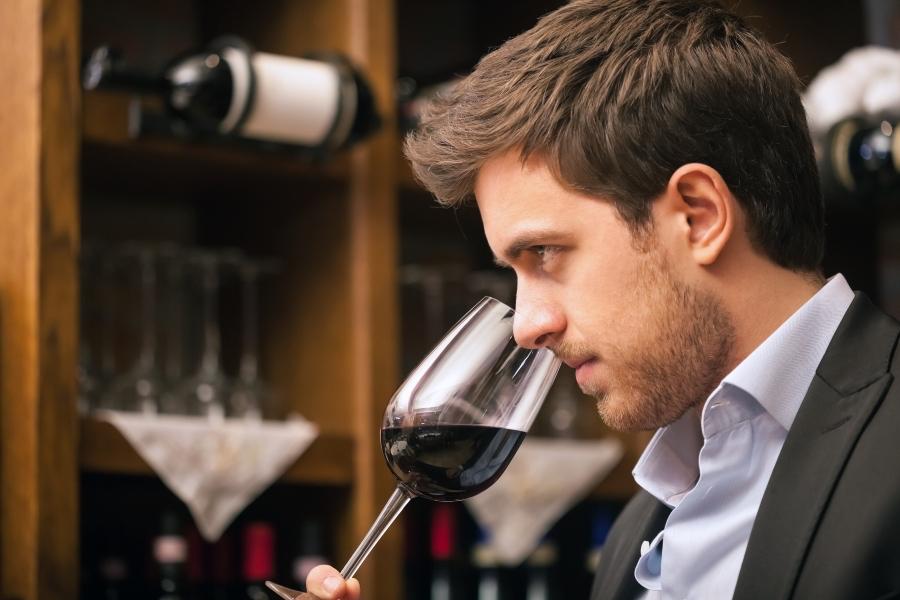 Cata de vinos en la región de Chianti